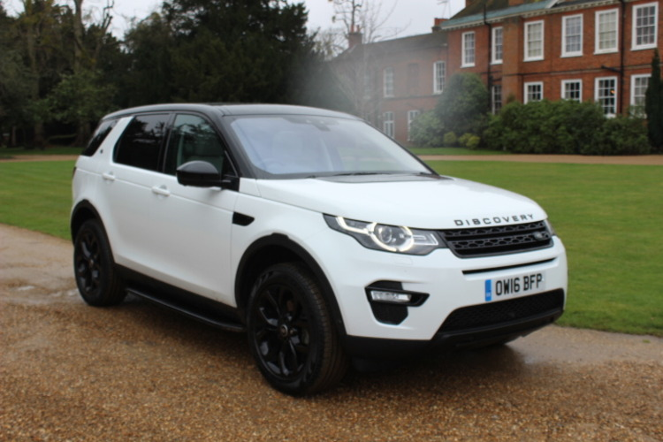 Land Rover Discovery Sport HSE 4x4<br />2016 White 4X4 £32,500