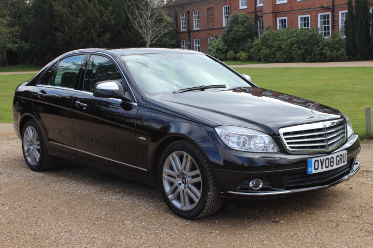 Mercedes-Benz C200 Elegance<br />2008 Black Saloon £8,500