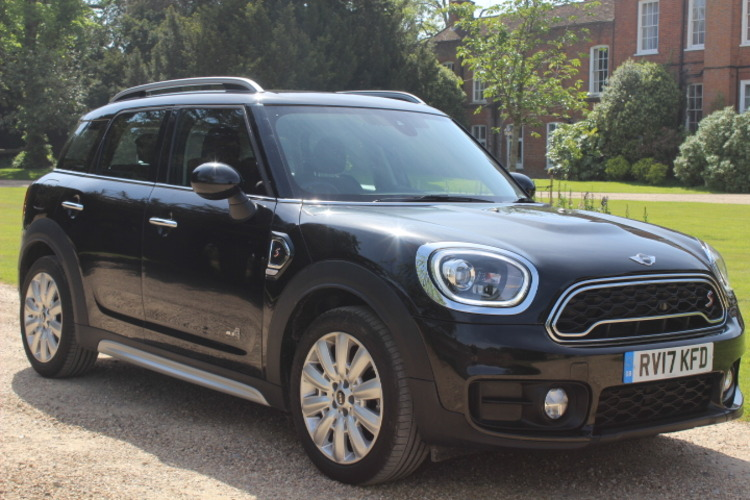 Mini Countryman Cooper SD ALL4<br />2017 Metallic Black 4X4 £21,999