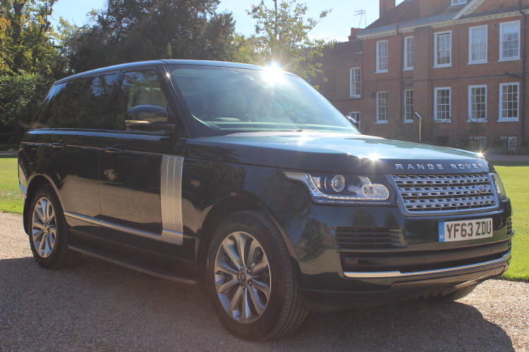 Land Rover Range Rover Vogue<br />2013 Aintree Green 4X4 £42,995