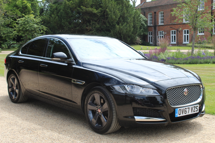 Jaguar XF Portfolio (s/s)<br />2017 Metallic Black Saloon £20,000