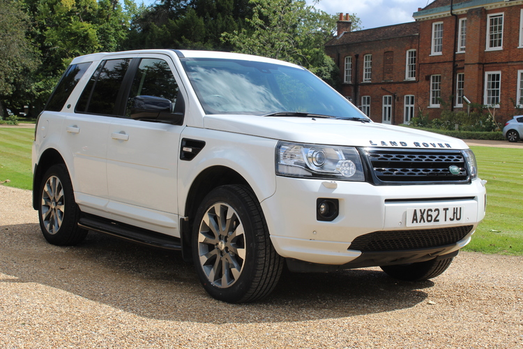 Land Rover Freelander 2 HSE LUXURY<br />2013 White 4X4 £10,850