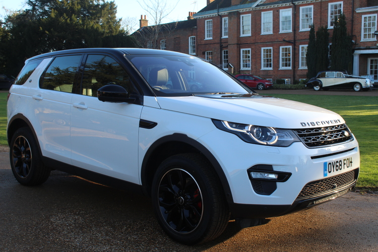 Land Rover Discovery Sport HSE<br />2018 White 4X4 £28,995