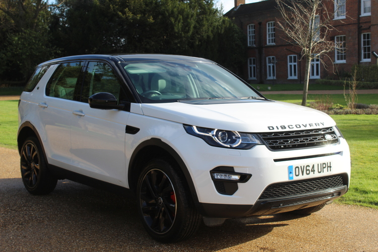 Land Rover Discovery Sport HSE Lux<br />2014 White 4X4 £18,999