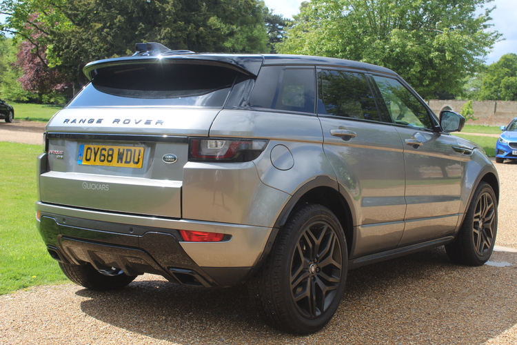 2018 Land Rover Evoque HSE Dynamic LUX £28,499