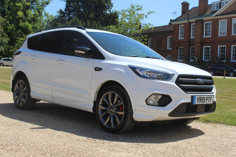 Ford Kuga ST-Line Edition<br />2019 Solid White Estate £19,995