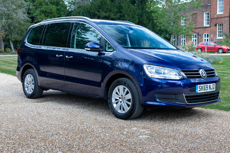 Volkswagen Sharan 2.0 TDI SCR 150 SE<br />2019 Metallic Blue Estate £21,499