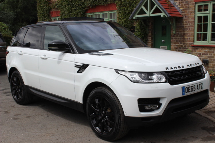 Land Rover Range Rover Sport HSE<br />2015 White 4X4 NOW SOLD