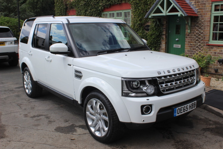 Land Rover Discovery 4 HSE SD V6<br />2015 Fuji White 4X4 NOW SOLD