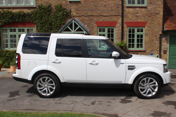 2015 Land Rover Discovery 4 HSE SD V6 £39,500